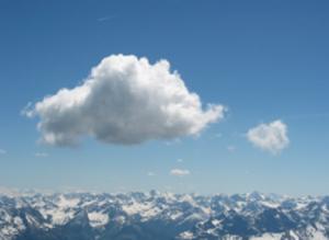 浮き沈みする雲